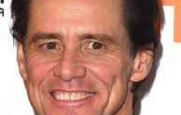 the young aspiring comedian Jim Carrey